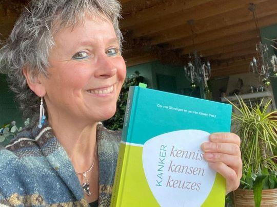 Herverbinding - Rineke Dijkinga recenseert MMV-boek over kanker 3