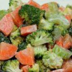 Voedzame salade met wortel en broccoli 15