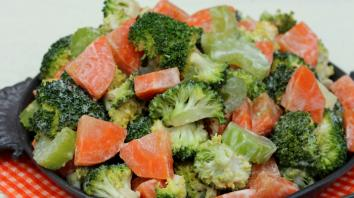 Voedzame salade met wortel en broccoli 3