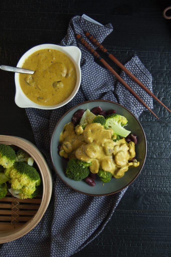 Broccoli-bonenschotel met champignonsaus 3