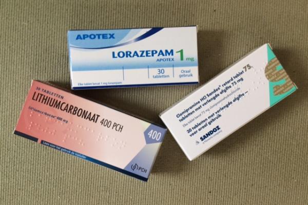 'Farmaceuten smeren nutteloze pillen aan' 3
